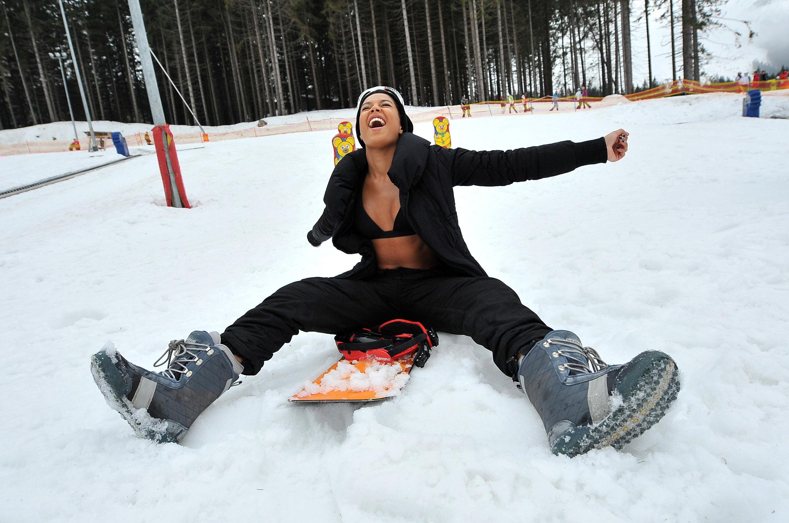 Bikini_Skiing_Patrycja_Kazadi