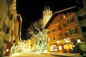 Kitzbühel: od kasy do klasy