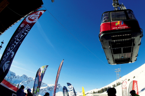210 modeli nart na międzynarodowych testach Intersport .