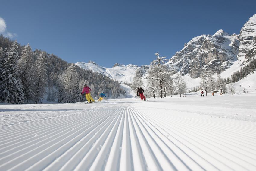 schlick2000_andreschoenherr_skiing_03_72dpi_web