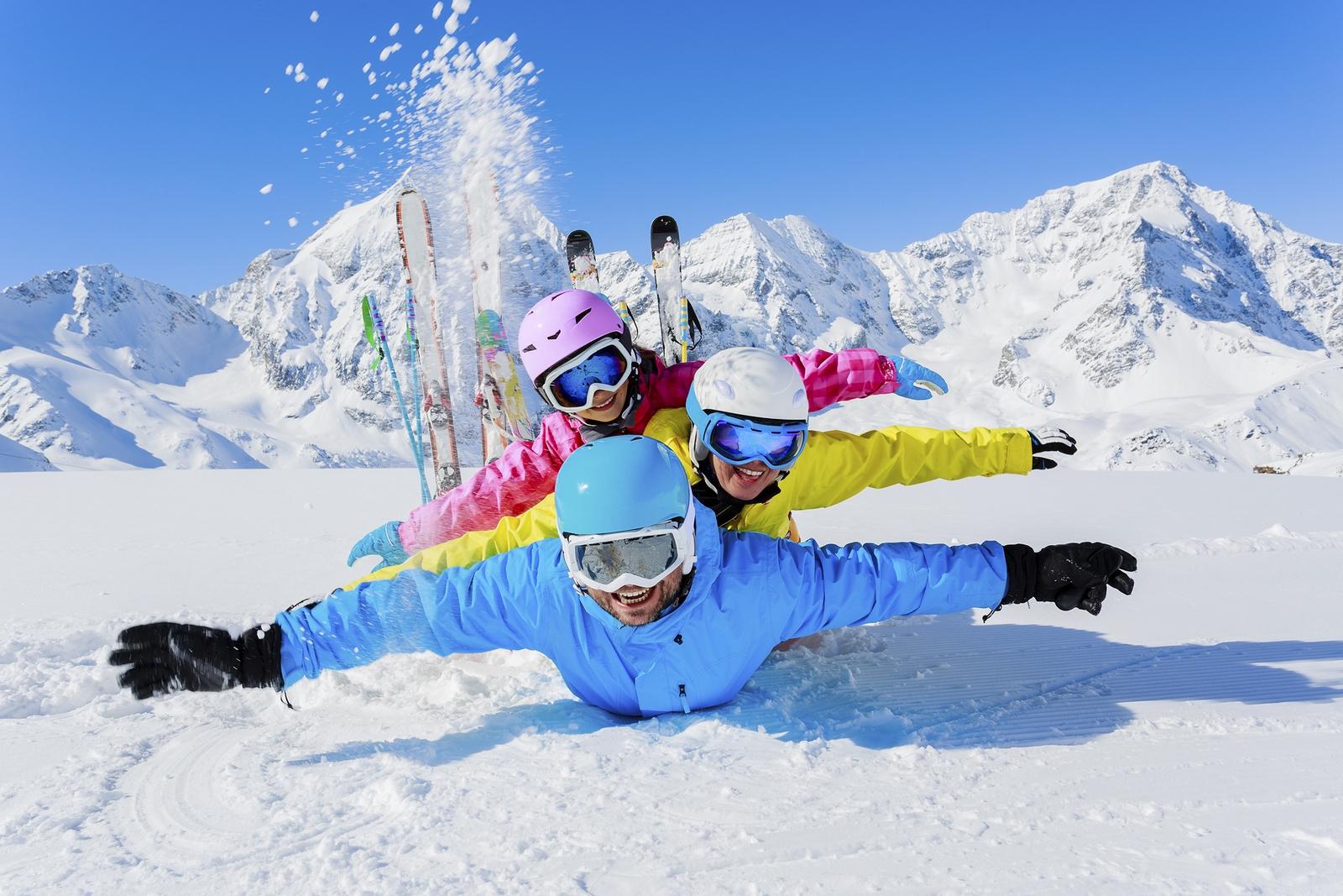 Słońce, śnieg, rodzina – ciesz się urlopem narciarskim w Austrii, fot. Kinderhotels Europa