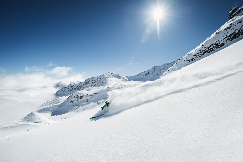 Freeride_Powder_Department_Stubaier_Gletscher_-c-_Andre_Schoenherr