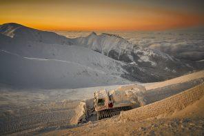 Otwarta trasa narciarska w Dolinie Gąsienicowej na Kasprowym Wierchu. Ośrodki PKL zapraszają na ferie zimowe.